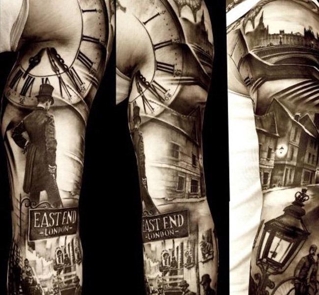 clock 35 Mind blowing realistic tattoo designs