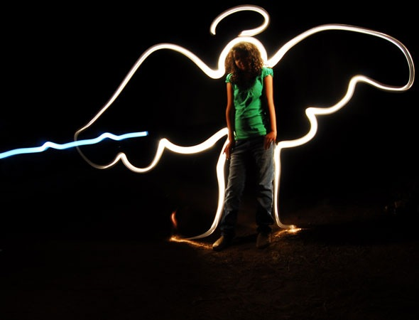 angel2 thumb 30 Awesome Examples Of Light Graffiti