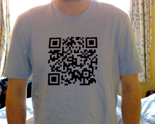tshirtdesign 25 Smart And Creative Ways To Implement QR Codes