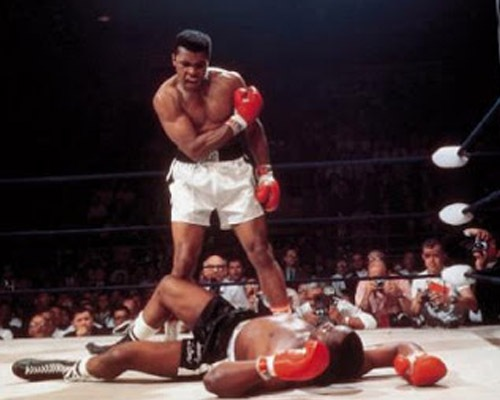 ali 20 Epic Photos Which Tell Powerful Stories