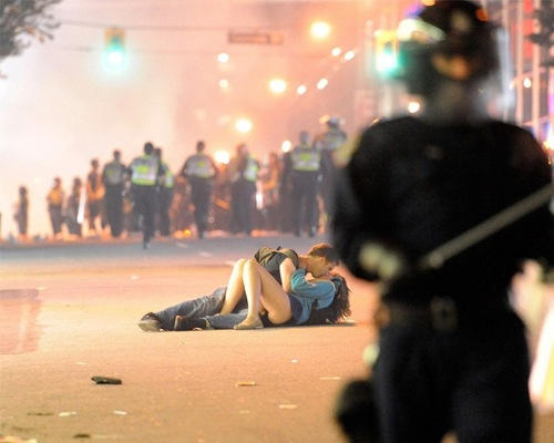riotcanada 20 Epic Photos Which Tell Powerful Stories